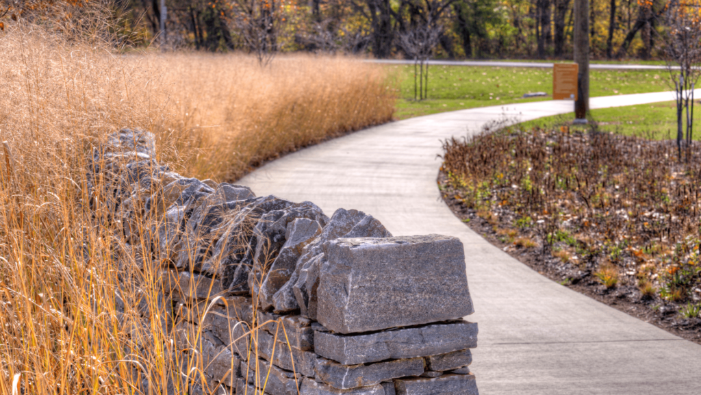 Walking trail in Pope Lick Park